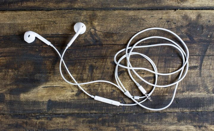 10 Podcasts You Need to Listen to RightNOW